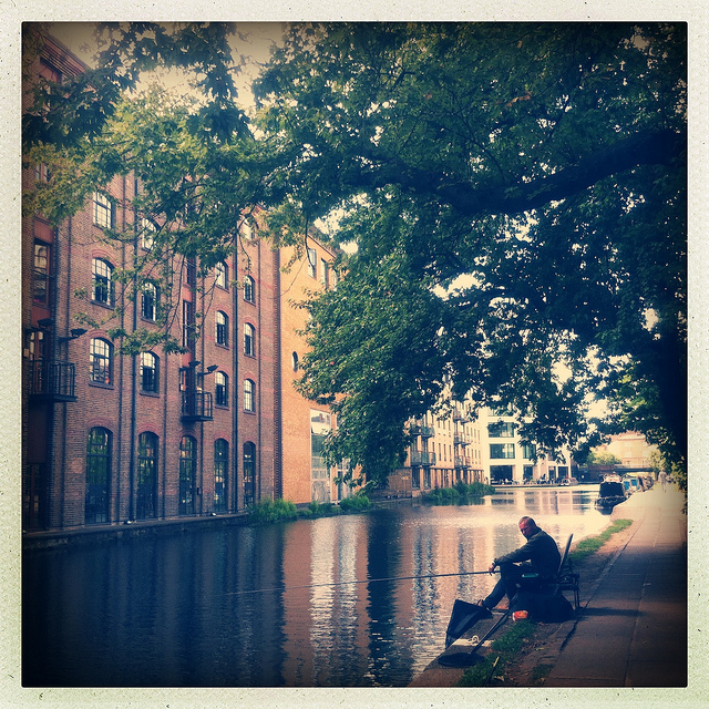 Ramblings on Regent's Canal: An East London Escape