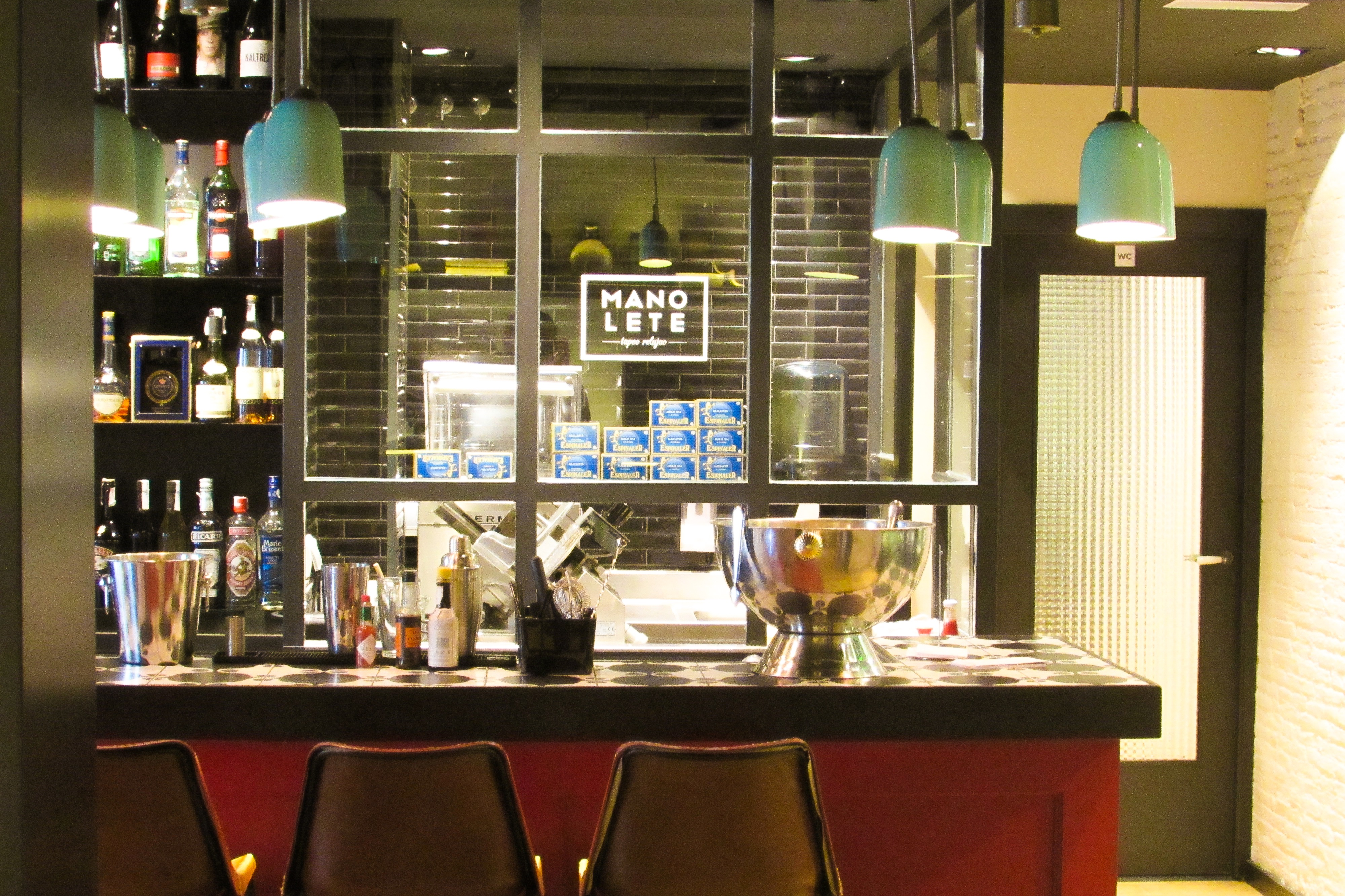 Manolete Mediterranean Tapas Restaurant in BarcelonaManolete Mediterranean Tapas Restaurant in Barcelona