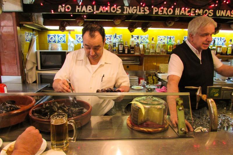 La Bombeta tapas restaurant Barceloneta beach