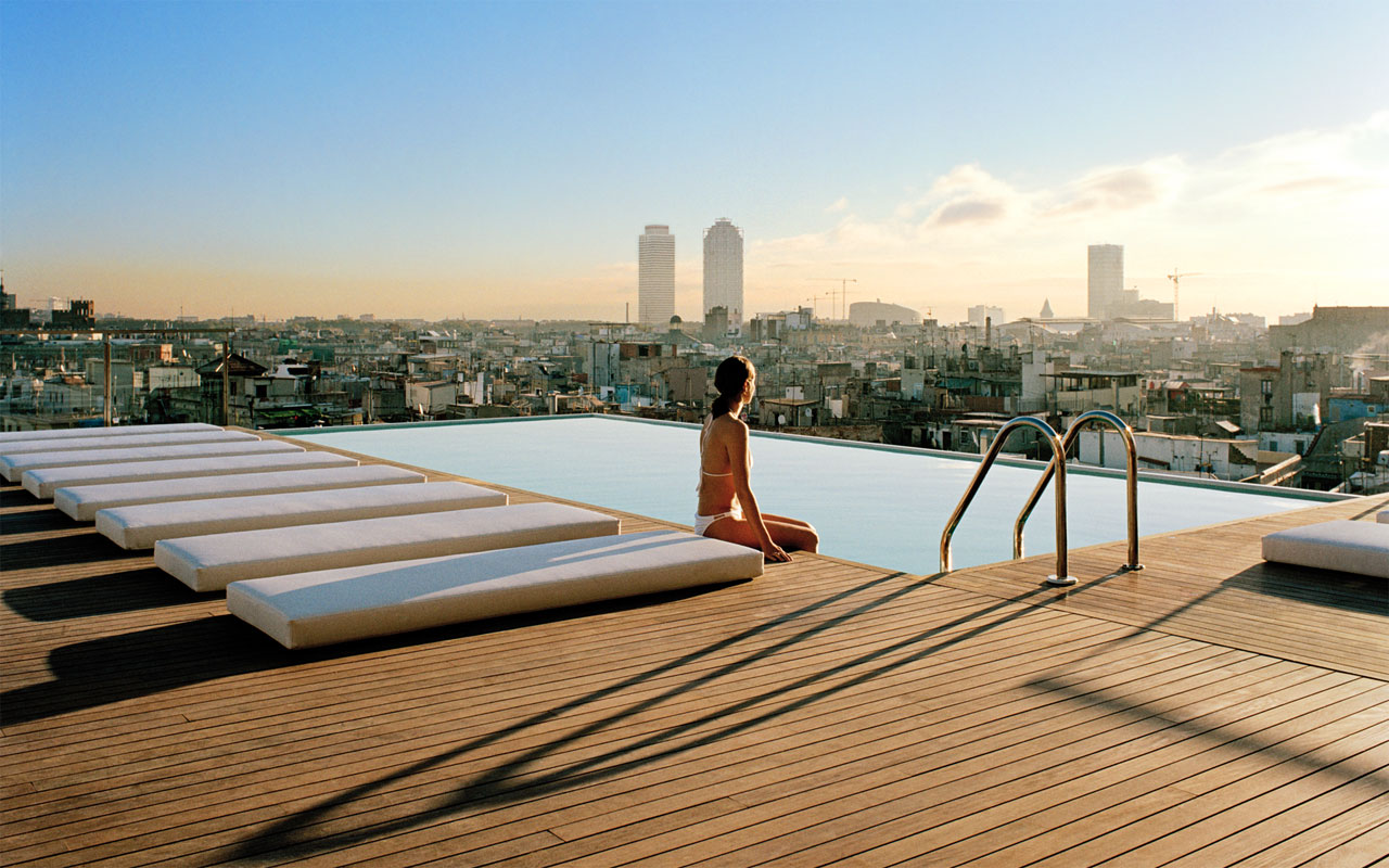 10 best luxury hotels in barcelona 4 5 star an for Sky design hotel
