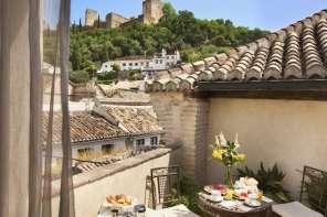 Best Hotels in Granada (Spain) City Centre ~ Luxury 5* Boutiques to Hostels & Budget Beds