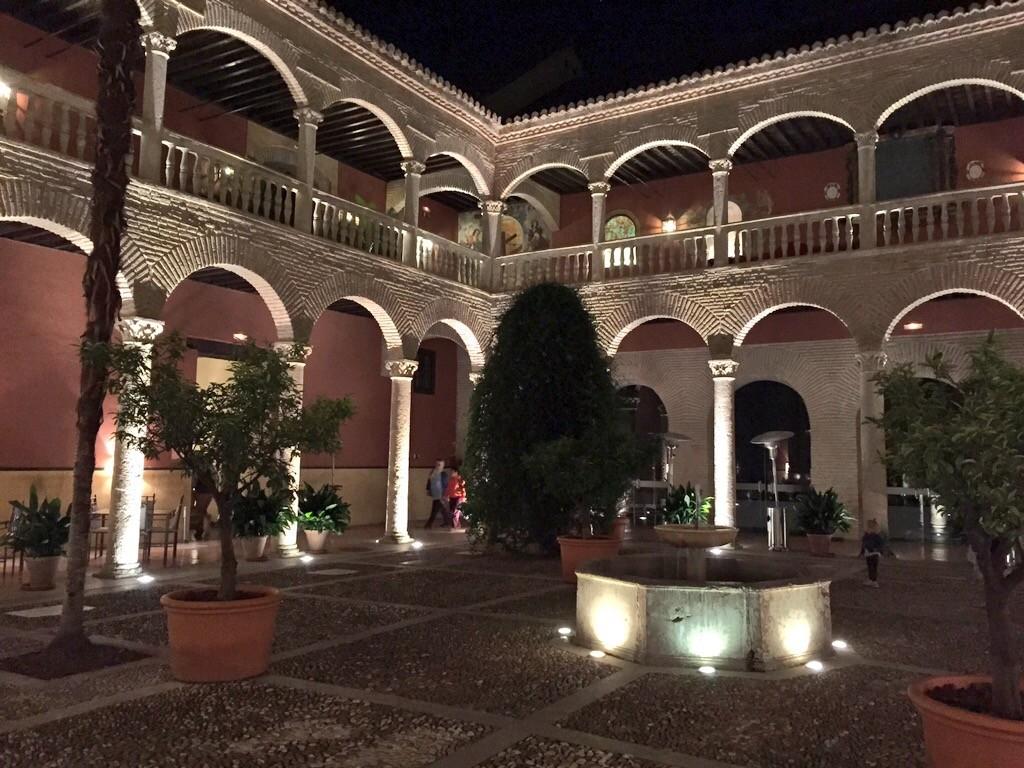 El Claustro Granada by piccavey