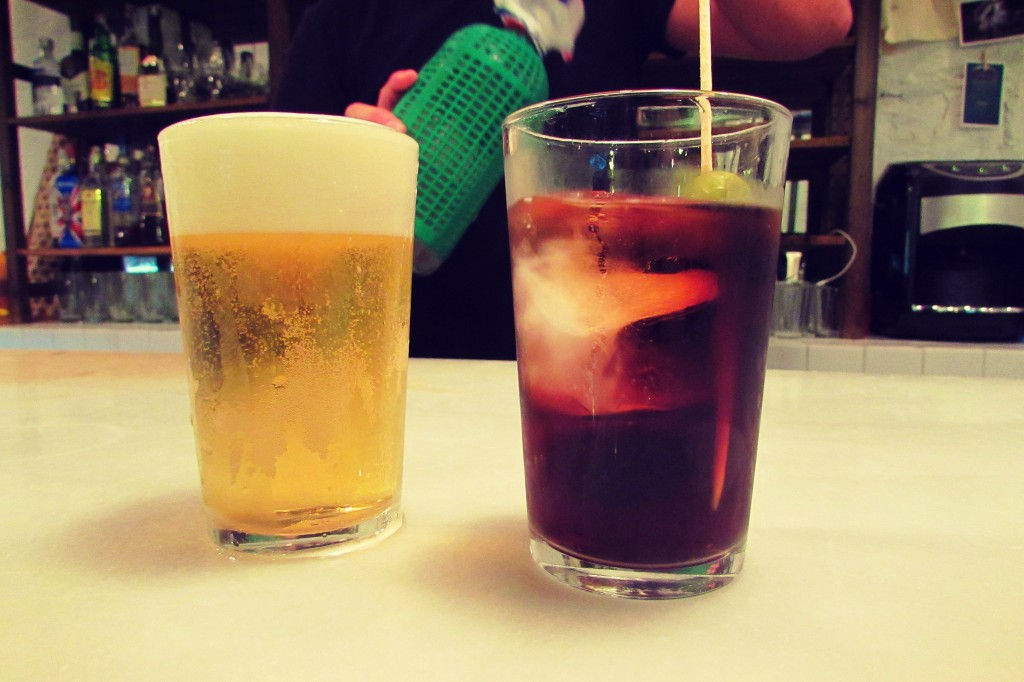 From left to right, caña (small beer) and vermouth