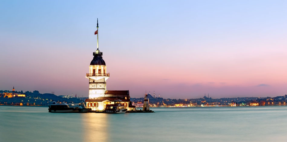 maiden-tower-restaurant in sea istanbul