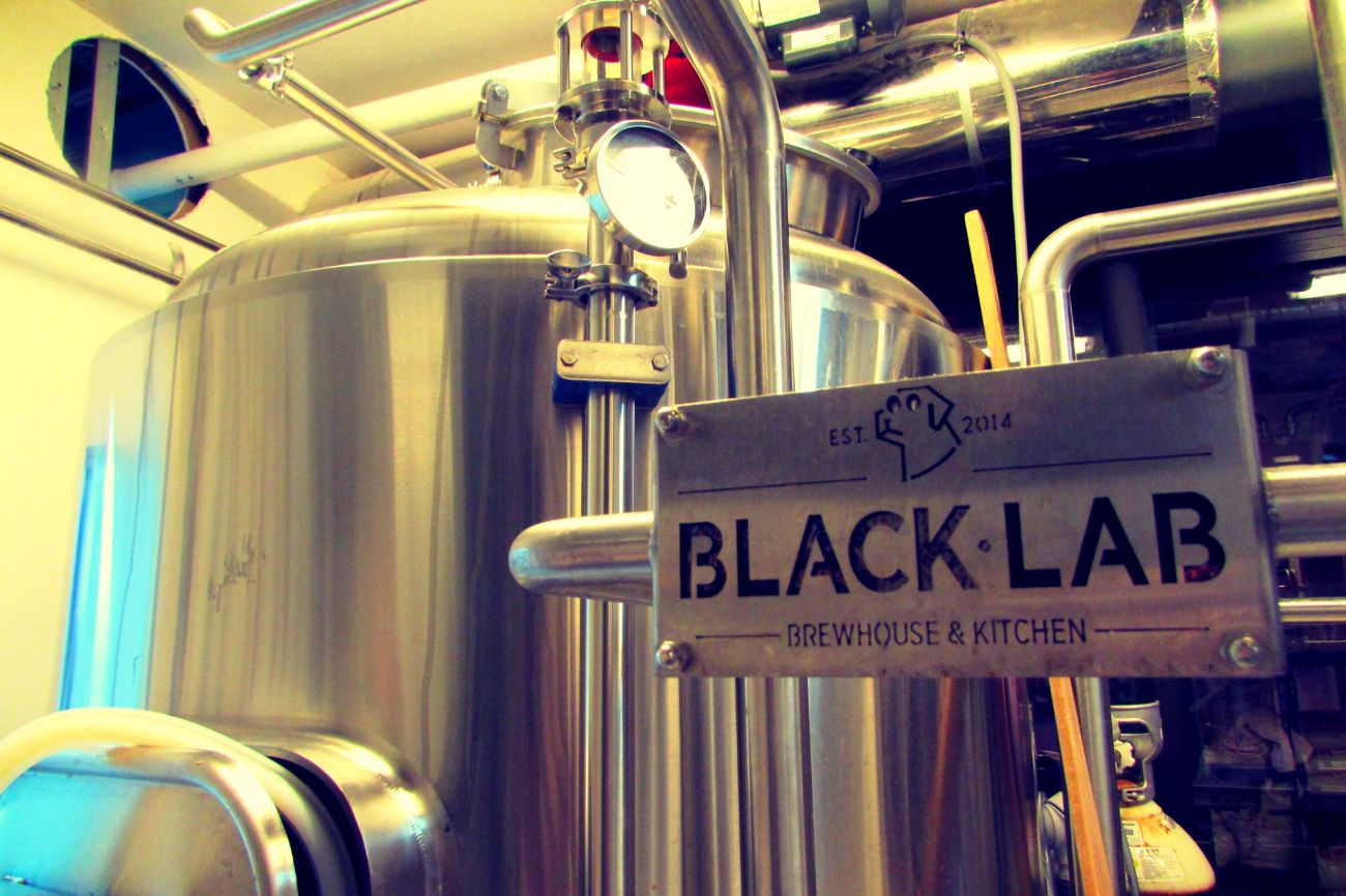 Blacklab brewpub barcelona glorious craft beer asian for Kitchen gadgets barcelona