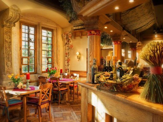 Krakow Restaurant La campana