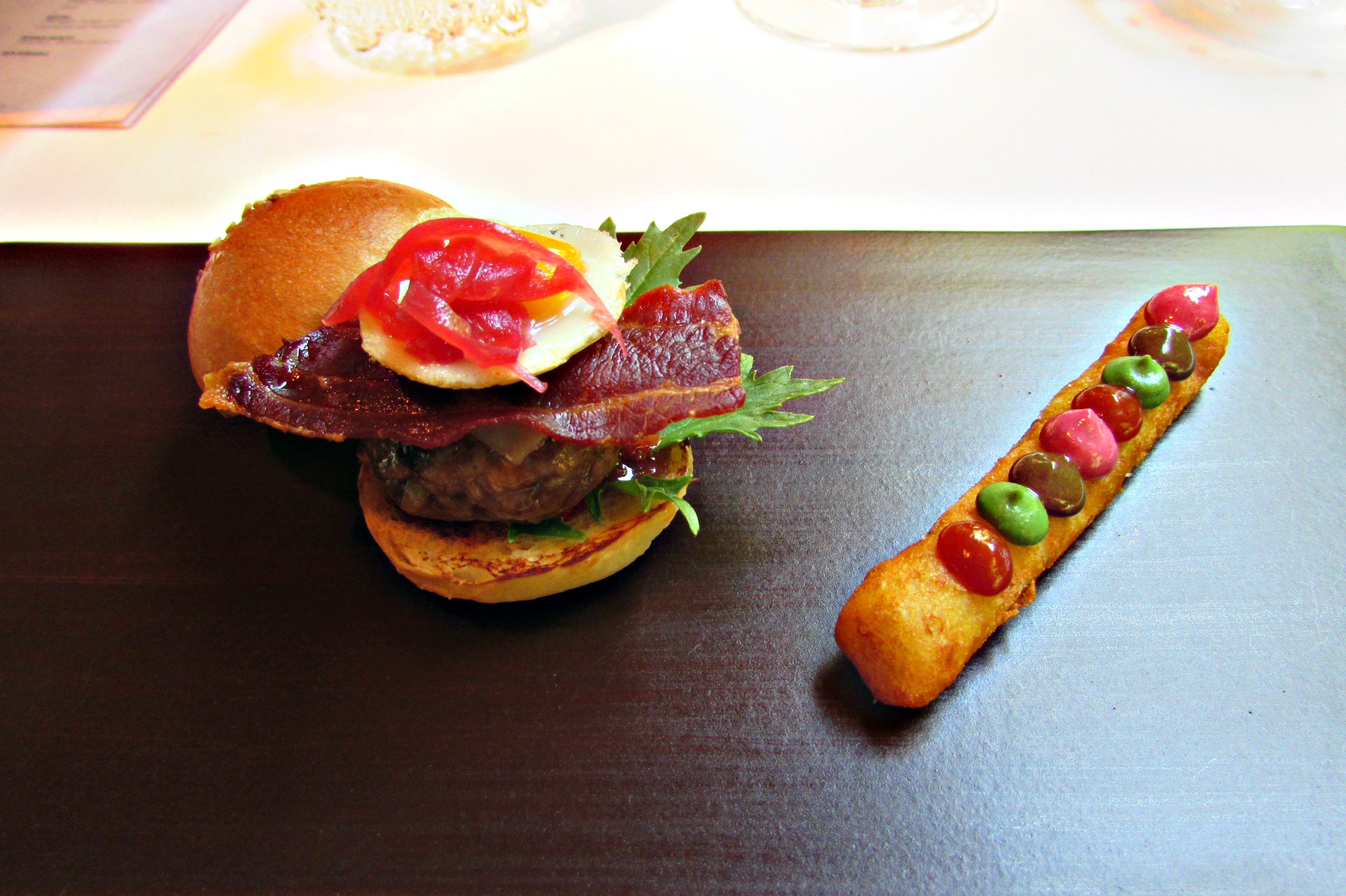New York on a plate - Moments 2-Michelin starred burger representation