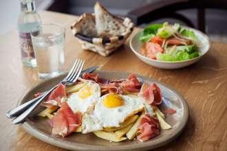 serrano-ham-with-fried-egg