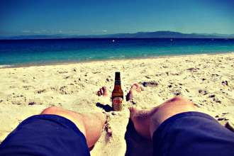beers-in-paradise-cies-islands-ben-holbrook
