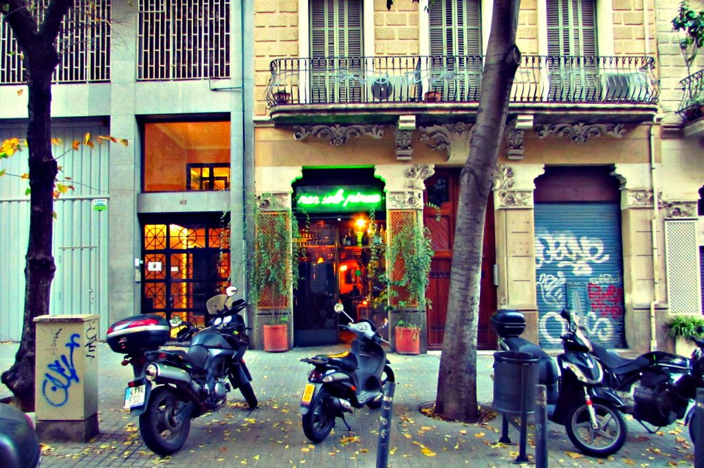 bars-on-carrer-enric-granados-esquerra-de-leixample