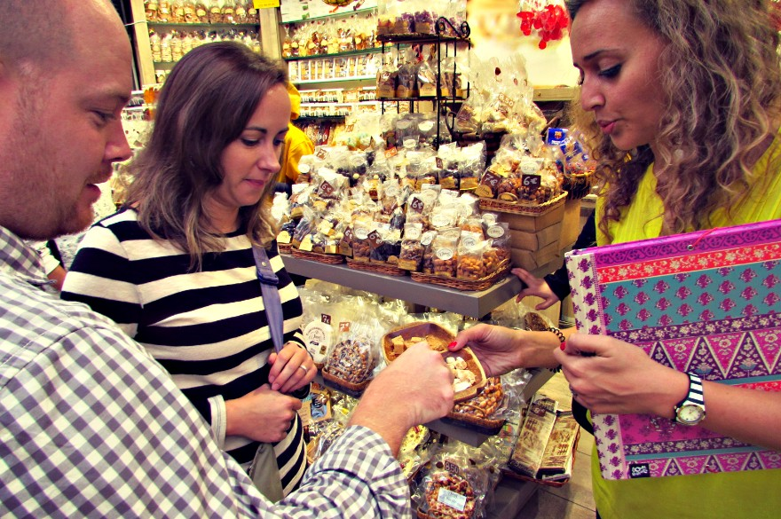 turron-samples-on-las-ramblas-wanderbeak-food-tour-barcelona