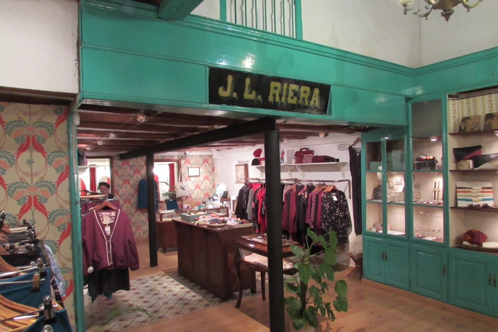 Lady Loquita Vintage Fashion Boutique in Gracia Barcelona