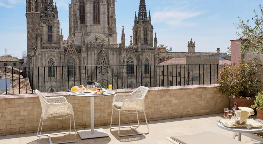 Colon Hotel in Barcelona near the cathedral and Las Ramblas in city centre