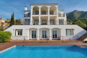 buy-a-holiday-villa-costa-del-sol (1)