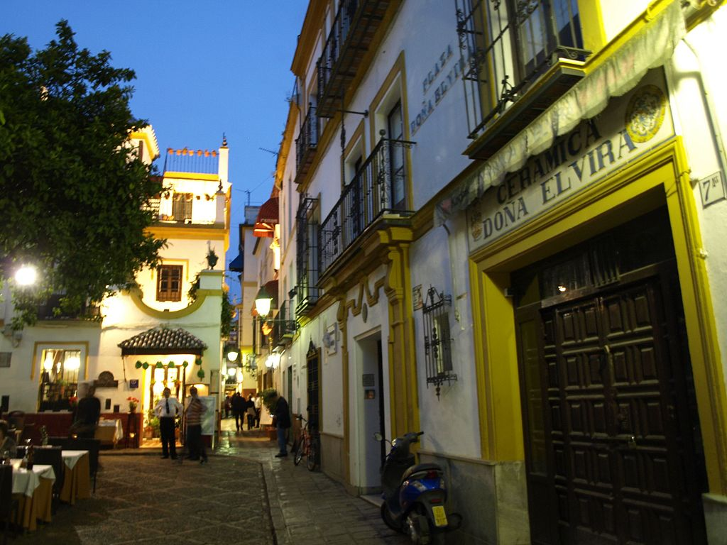 Barrio_de_Santa_Cruz_Seville Spain