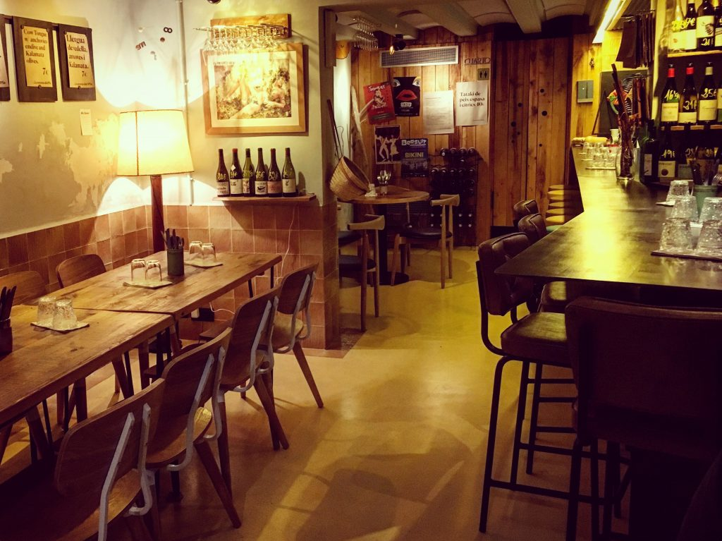 Cometa Pla Barcelona: Creative Tapas & Biodynamic Wines in the Gothic Quarter