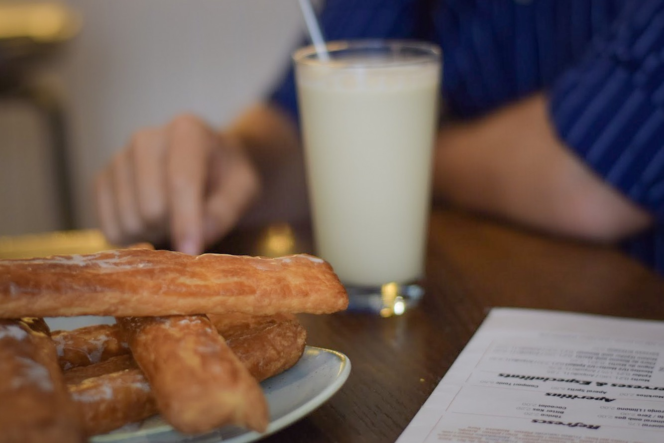 Traditional horchata and fartons in Barcelona - Barcelona Food Experiences