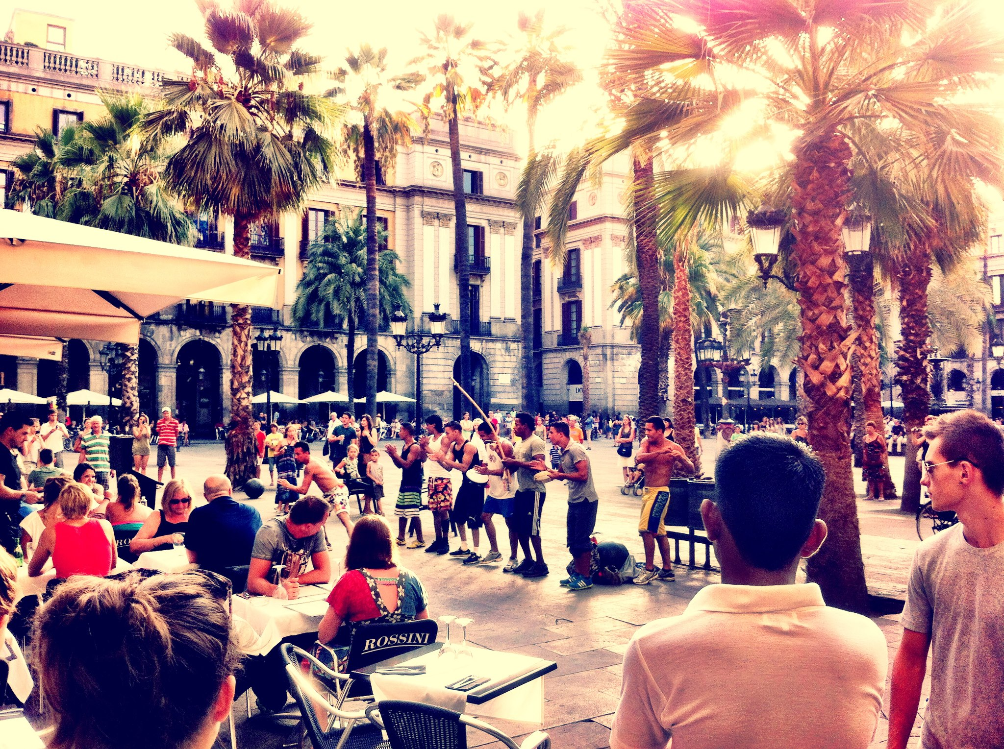 Placa Reial (Plaza Real) Barcelona - Square off La Ramblas