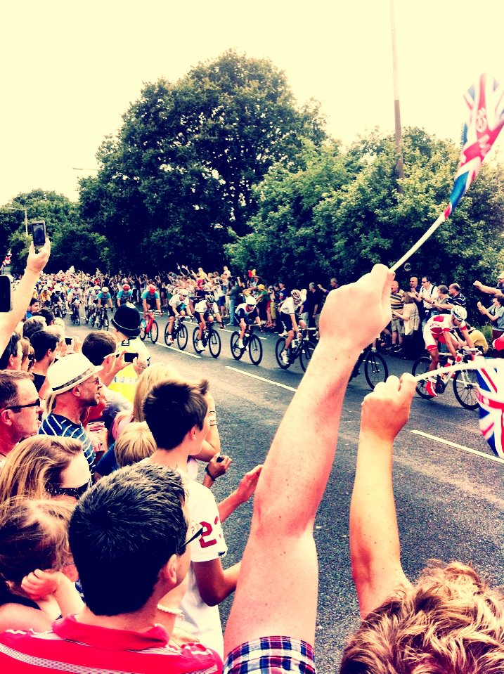 crowd going wild at the London Olympics 2012 men's road racing cycling