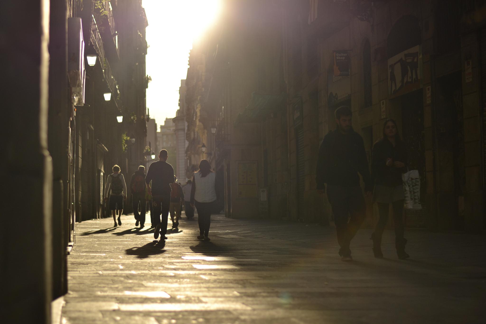Barcelona Street Photographer LIya Ye