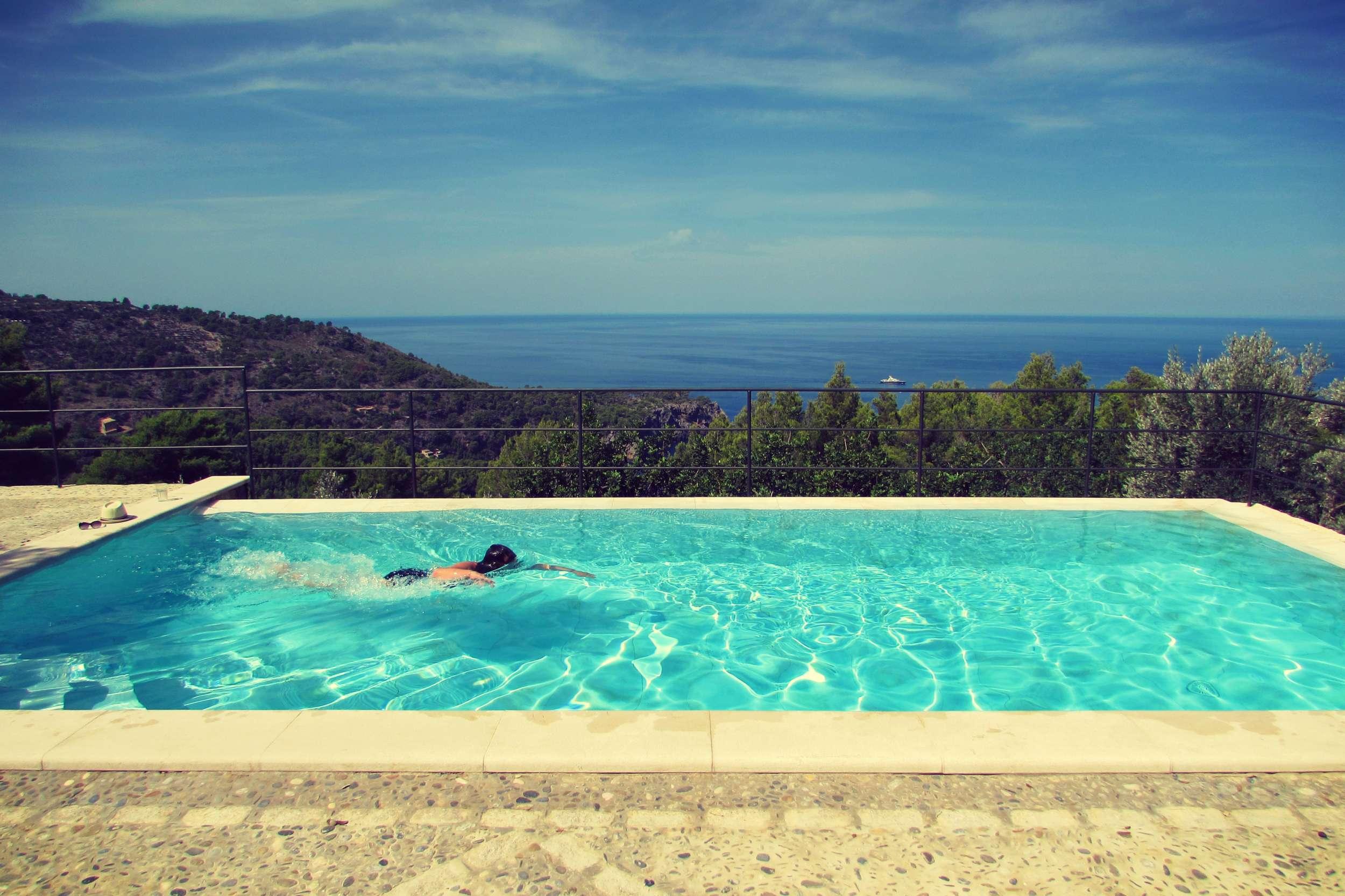 Swimming pool luxury rental villa in Deia Mallorca