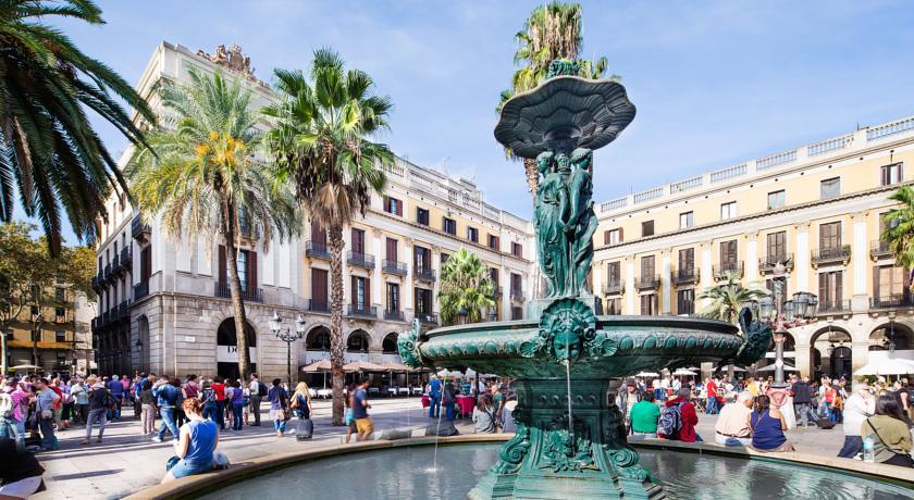 Hotels Near Catalunya Square Barcelona