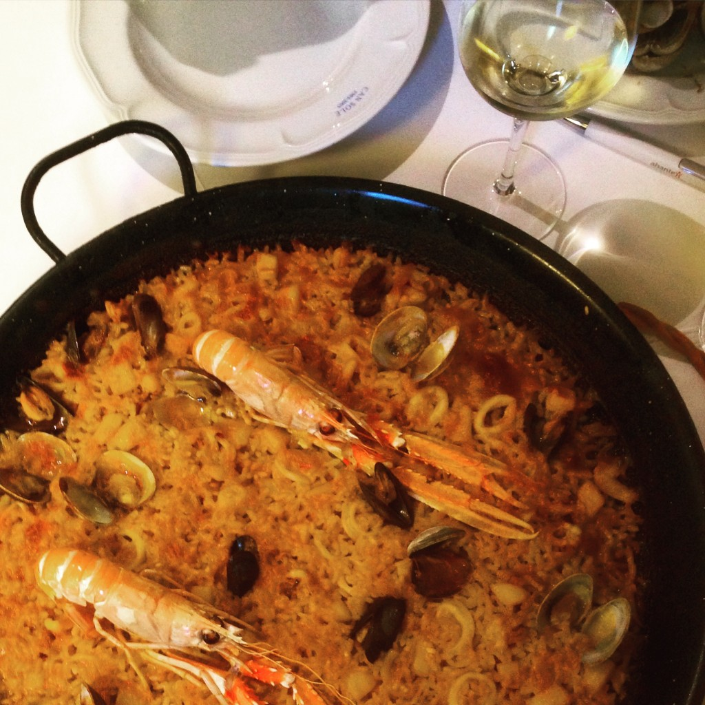 Perfect paella at Can Sole in Barceloneta (by the beach) Barcelona