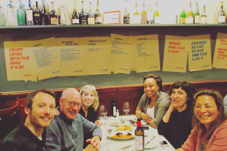 Me and my new friends talking about Barcelona, food and wine...