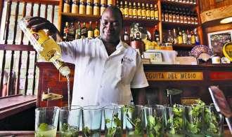 La Bodeguita del Medio Cuba - Hemingway's favourite bar