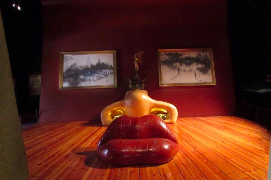 The Mae West Room at the Dali Museum... He designed it after deciding her face looked comfortable.