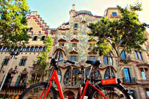Antoni Gaudi's Casa Batllo by bike