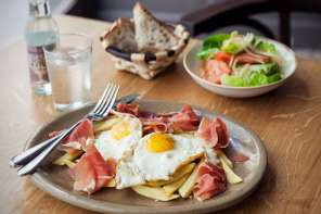 serrano-ham-with-fried-egg