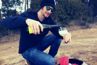 ben-holbrook-drinking-cava-in-a-vineyard-in-penedes-barcelona