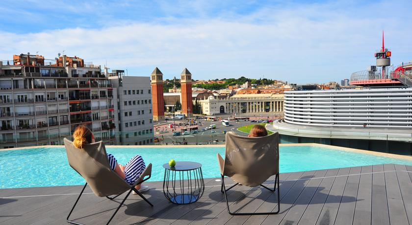 B-Hotel 3-Star rooftop pool Design hotel in Barcelona - Driftwood ...