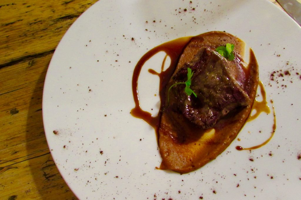 Pork loin with a mild toffee sauce at Mano Rota Barcelona