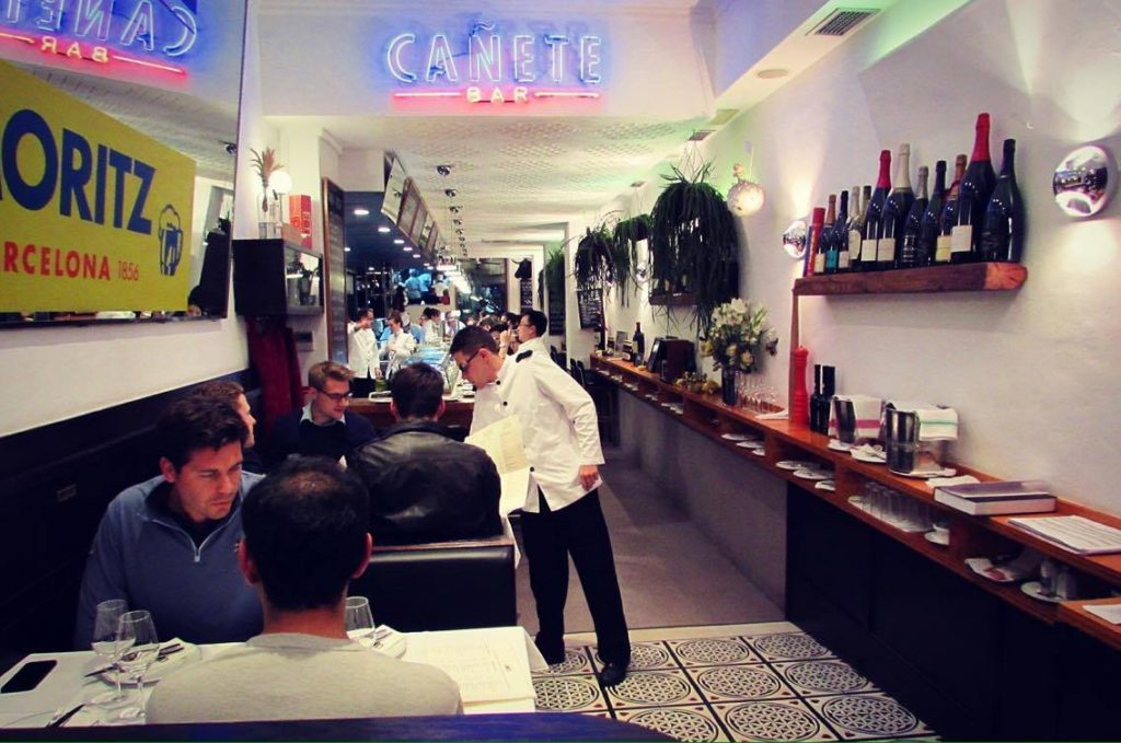 Bar Canete Entry - Classic but trendy