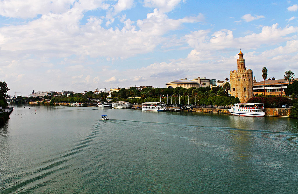 Torre_del_Oro_and_River_Guadalquivir_in_Seville