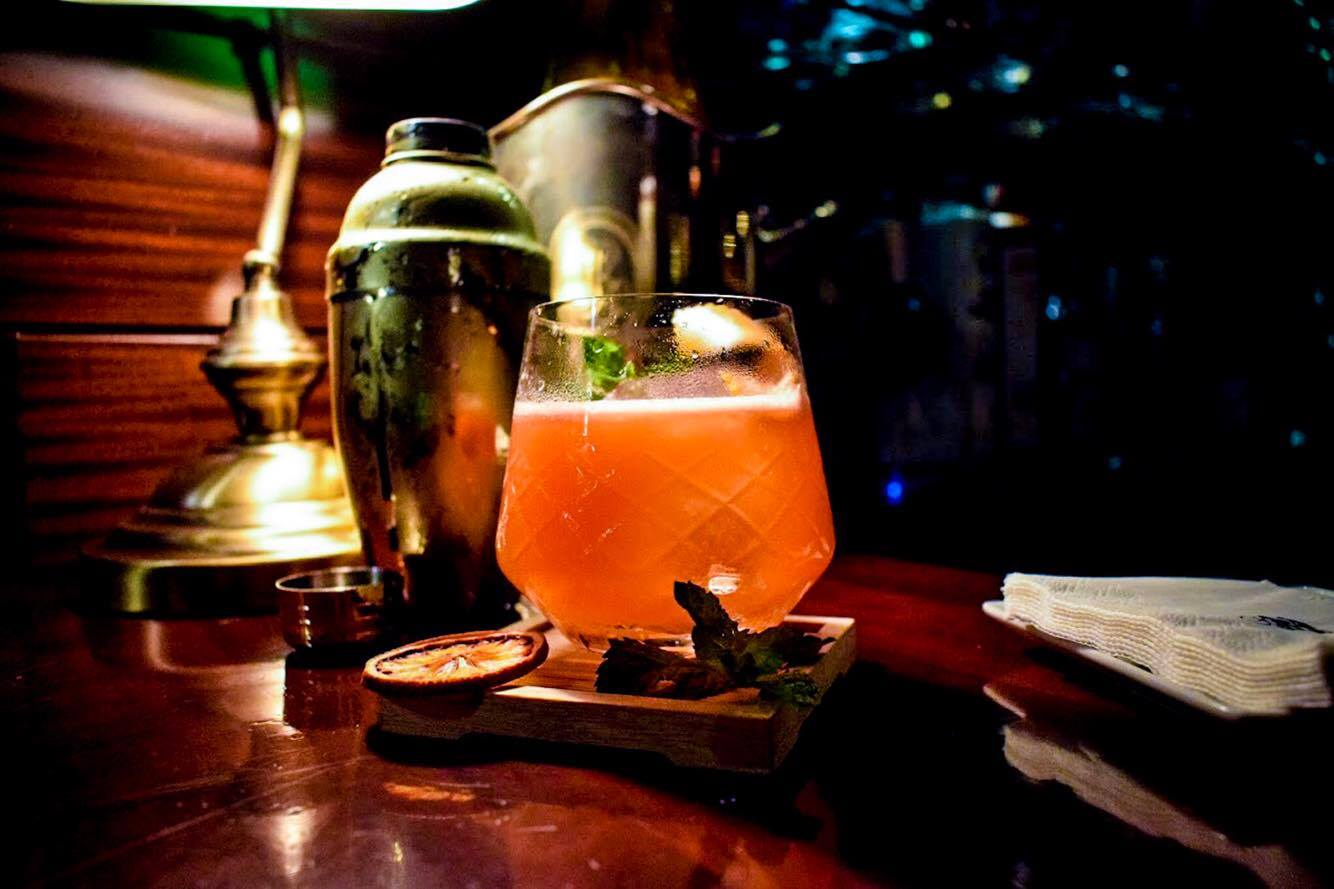 Tandem Cocktail Bar, Ariabu, Eixample Barcelona - by Ben Holbrook