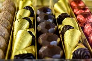 Bomboneria Pons ~ Handmade Chocolate shop in Sants, Barcelona