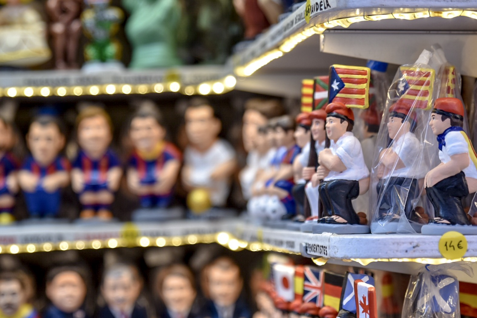 El Caganer - Catalan Christmas shitting figurine
