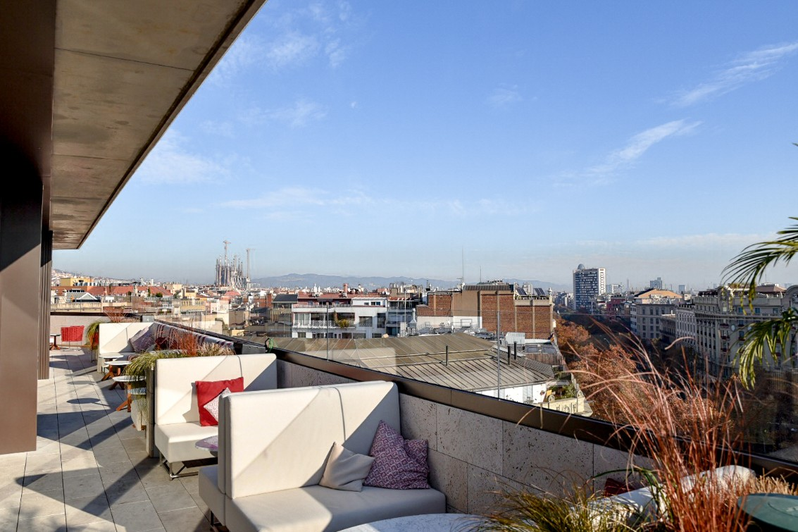 Azimuth rooftop terrace bar and lounge in Almanac Barcelona views