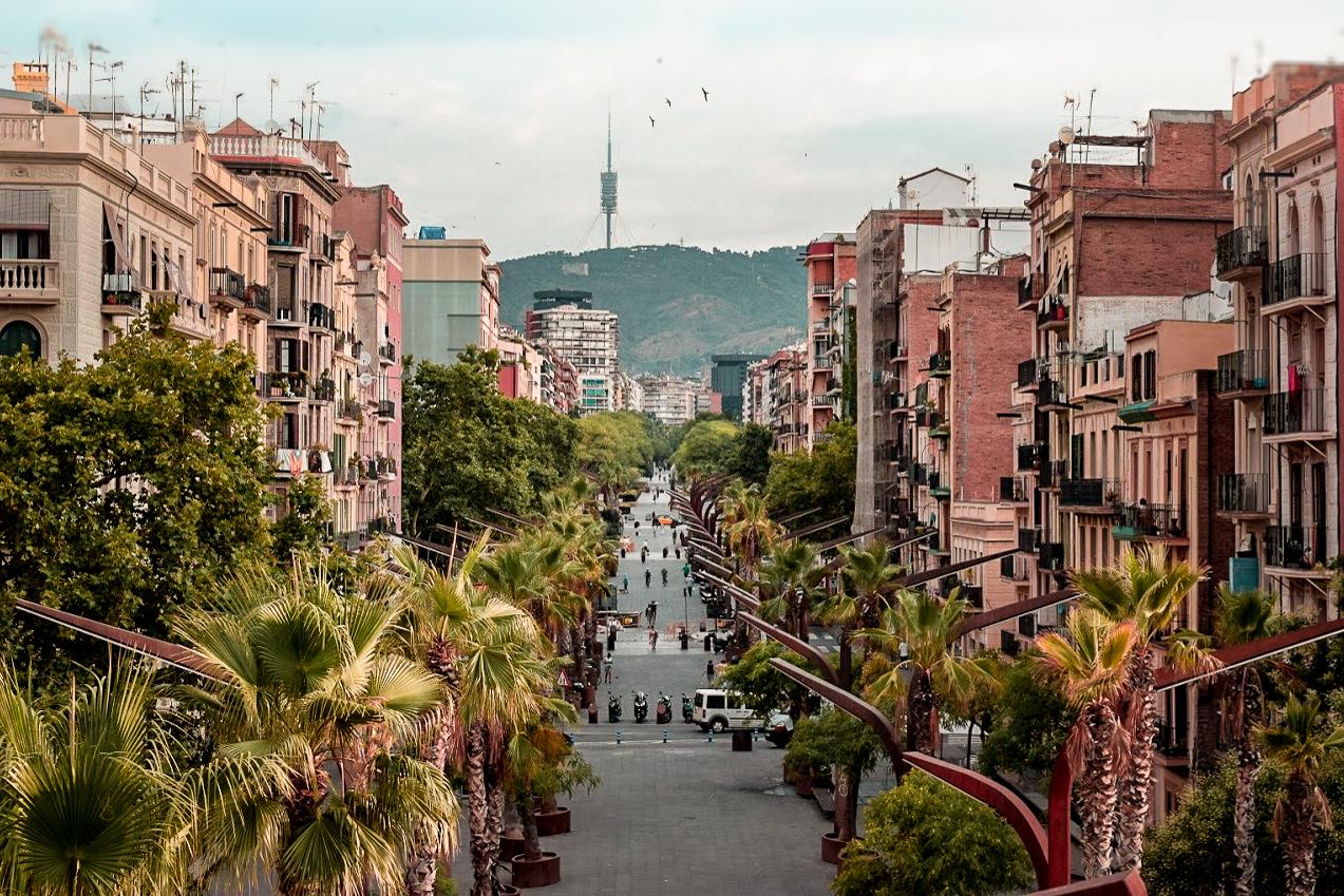 Rambla Badal, Sants, Barcelona ~ by Ben Holbrook of DriftwoodJournals.com