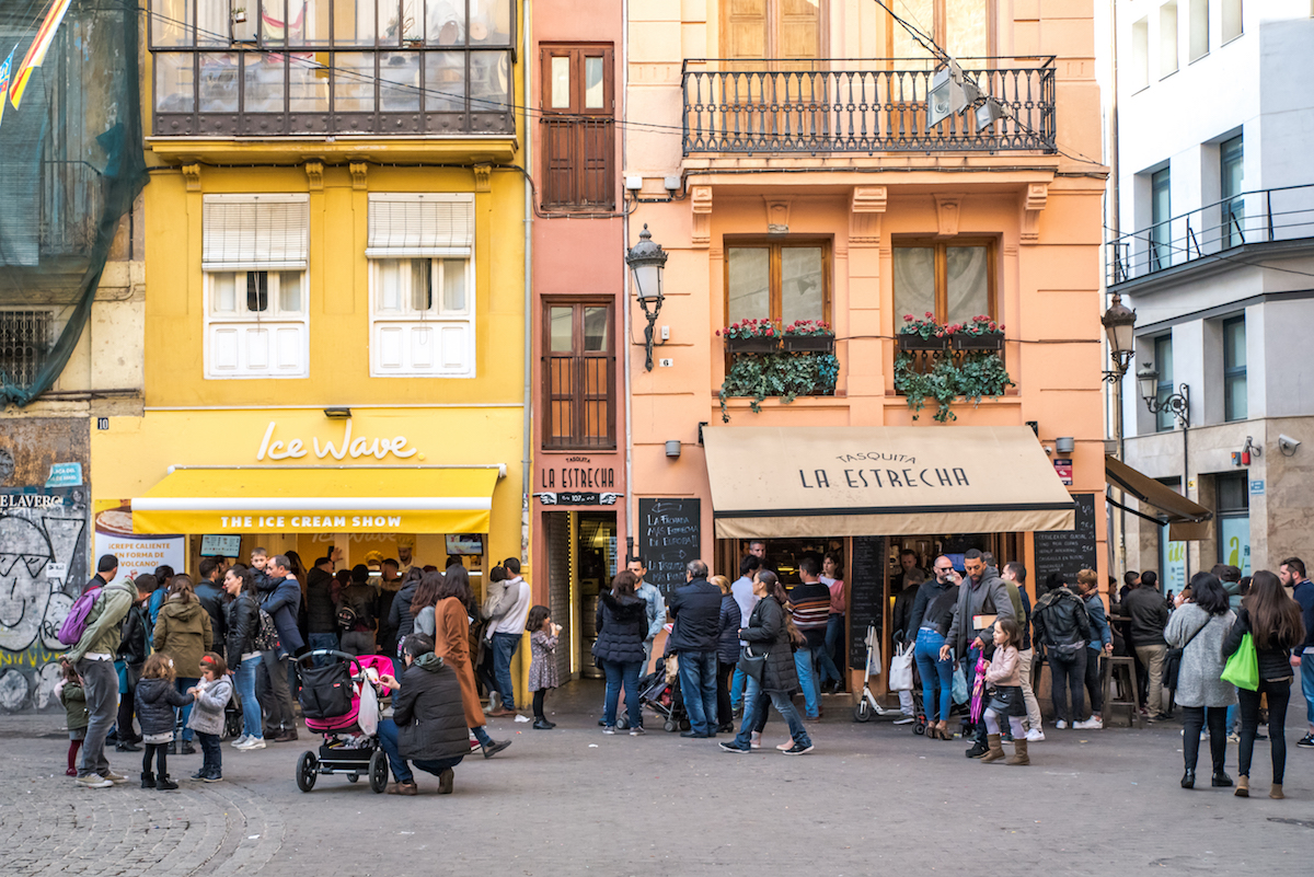 Best tapas bars in Valencia's Barrio del Carmen - by Ben Holbrook