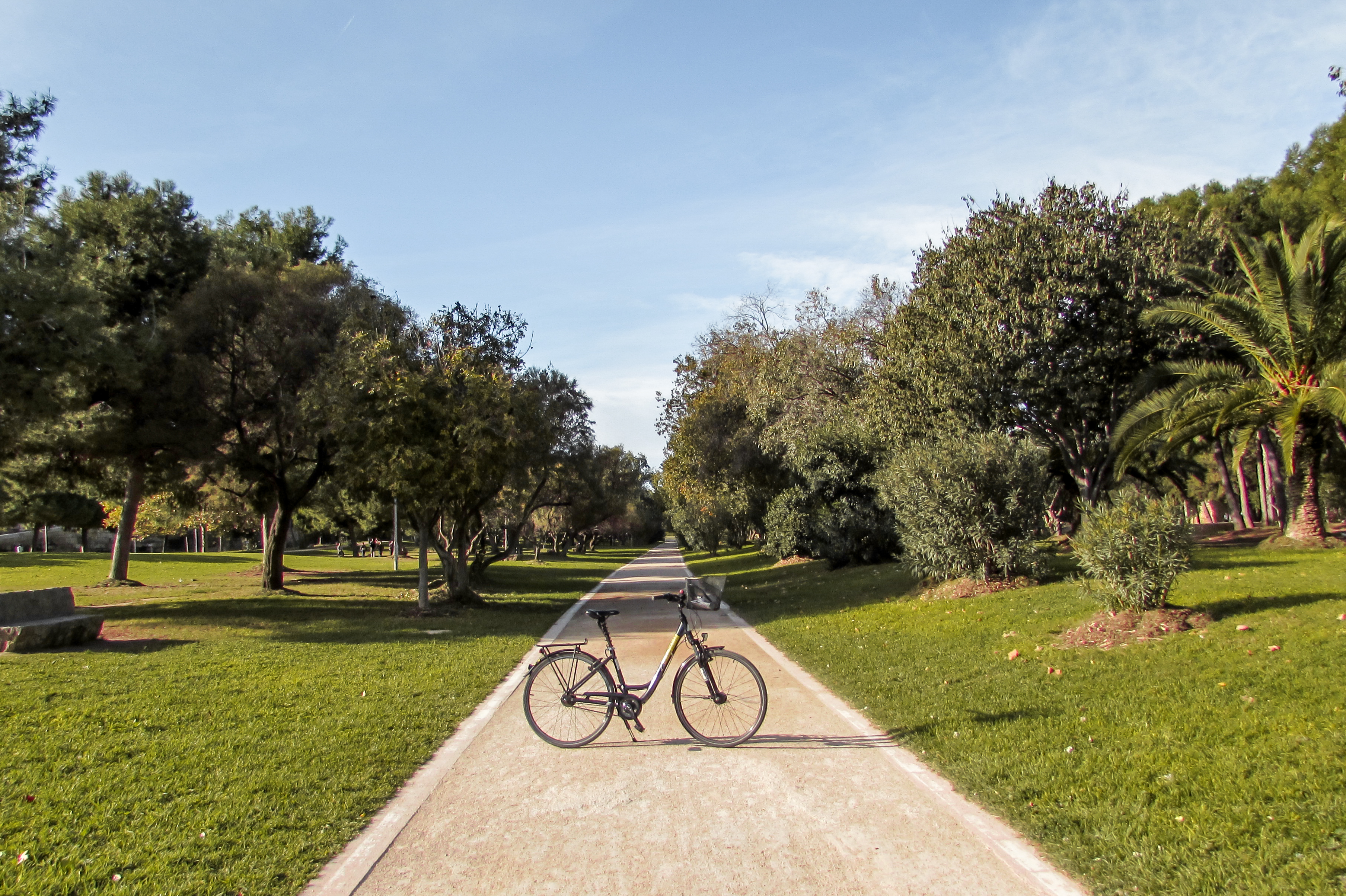 Cycling Túria Park in Valencia - by Ben Holbrook