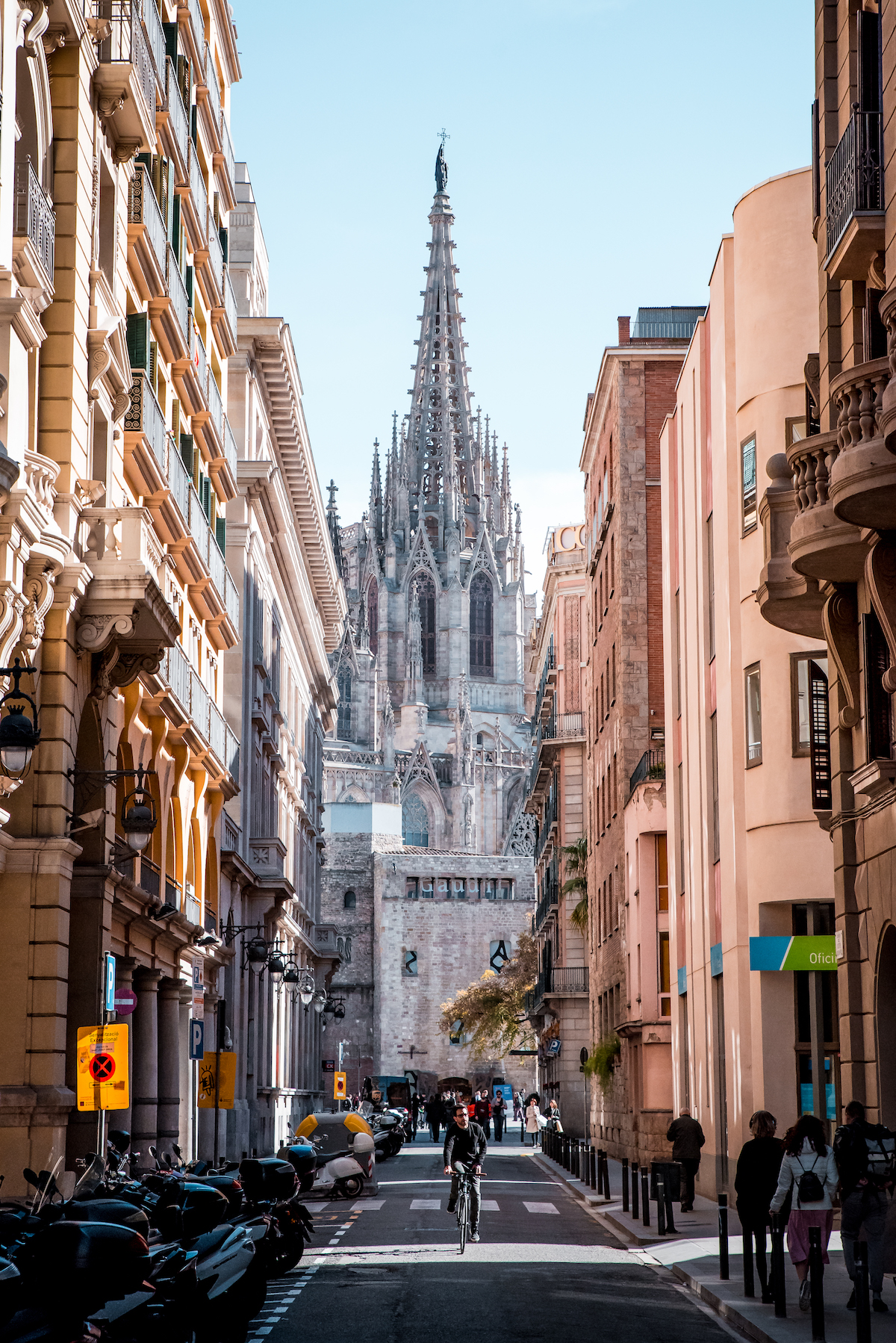Barcelona Cathedral by Ben Holbrook