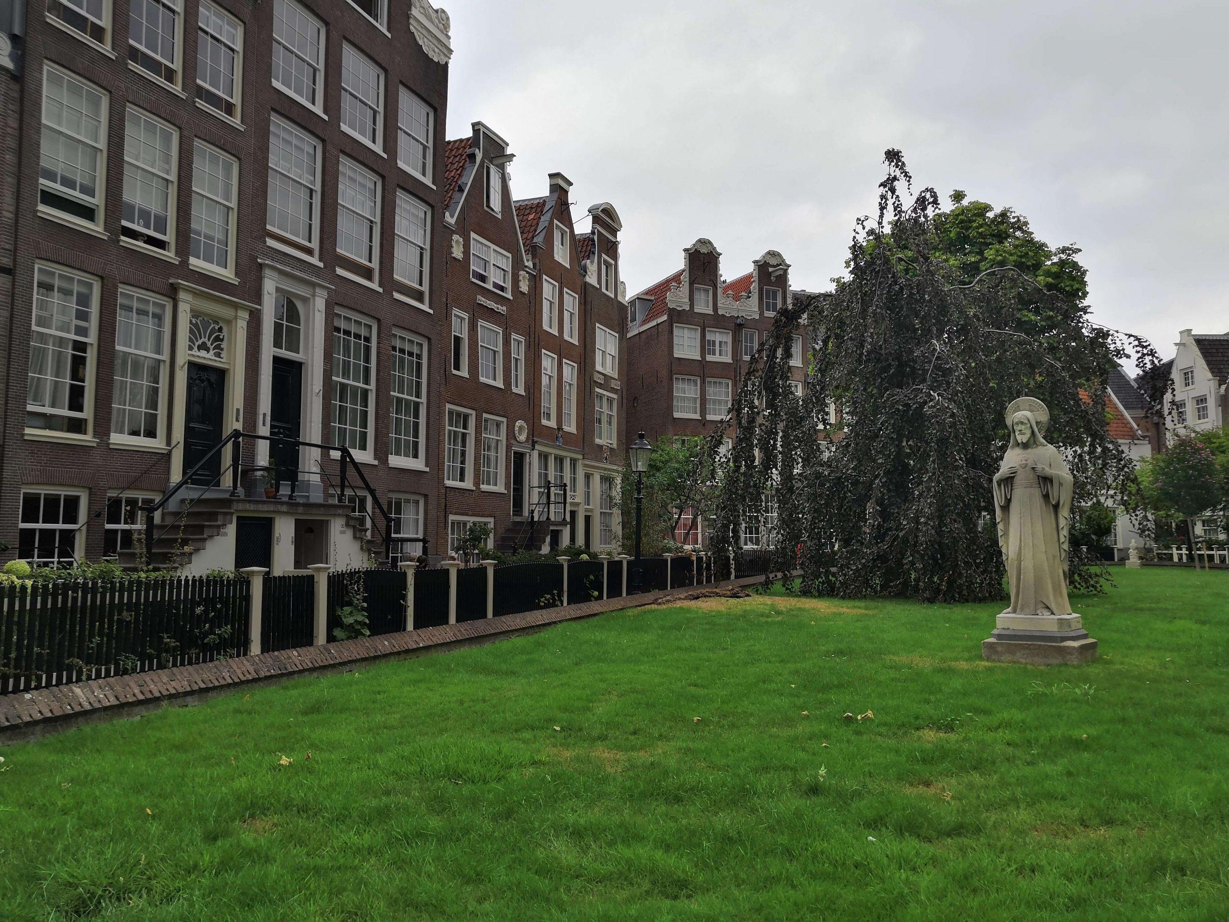 Amsterdam 14th Century Convent of Begijnhof