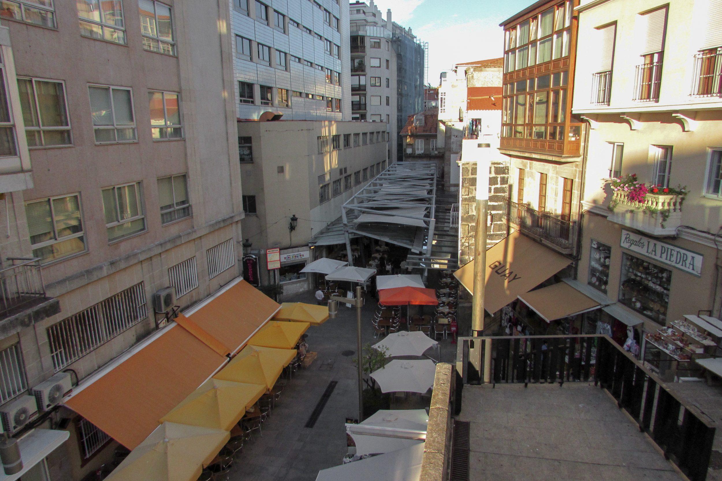 """Rúa da Pescadería, or """"Oyster Street"""" Vigo, Galicia - by Ben Holbrook"""