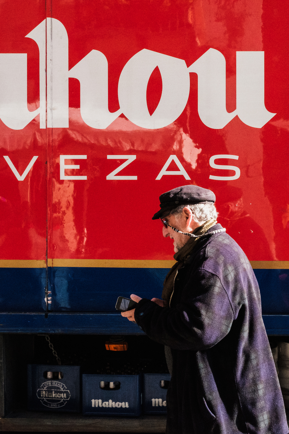 Mahou cerveza/beer lorry, Madrid Street Photography Essay - by Ben Holbrook DriftwoodJournals.com-9032