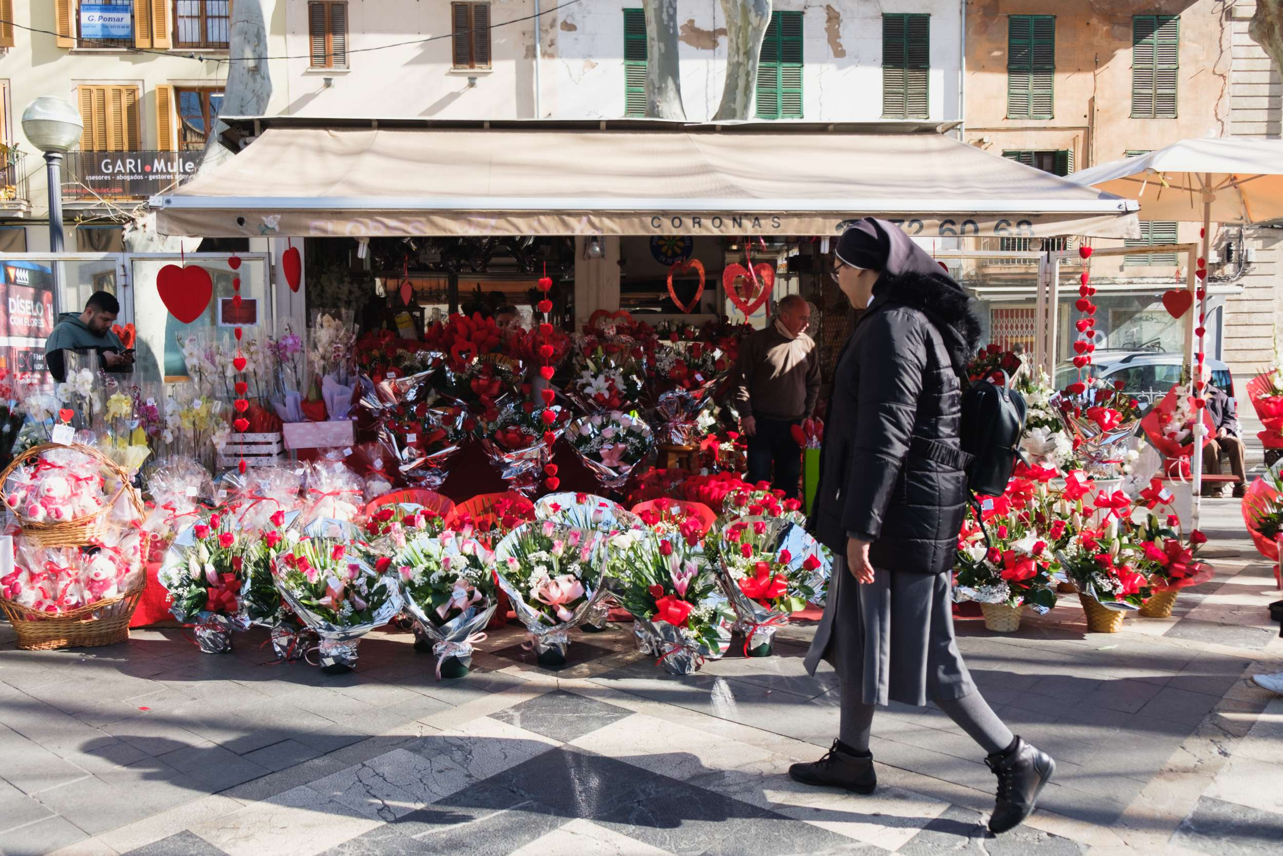 Flower stalls on Palma's Rambla in the Old Town - Mallorca Travel Photography by Ben Holbrook from DriftwoodJournals.com
