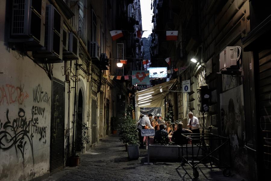 Quartieri Spagnoli - by Ben Holbrook